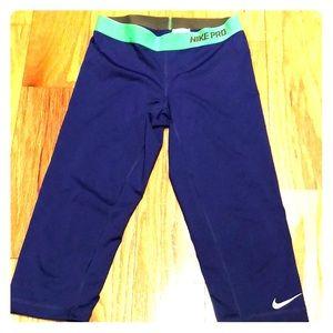 Nike Pro Dri-Fit capri Leggings